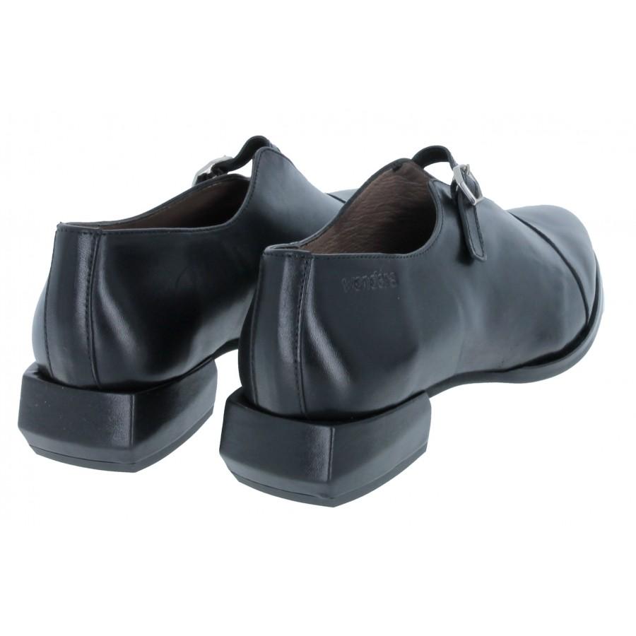C-6001 Shoes