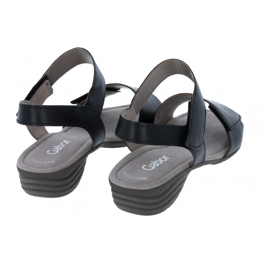 Entitled 44.552 Sandals